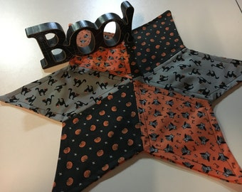 "15"" Halloween Star Mat, Pumpkins, Owls, and Black Cats Star Shape Candle Mat in Halloween Prints"