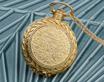 Vintage Locket, Eco-Friendly Jewelry, Musical Locket, Pocket Watch Locket, Gold Leaves, Large Jewelry, Perfume Locket Jewellry, Cameo Locket