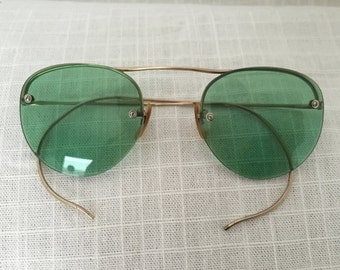 Antique Gold Wire Optic Sunglasses Green lens