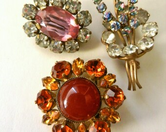 Vintage European treasury Art Glass Brooches - Ancient petite brooches,high quality - little treasures for collection -Art.699/4