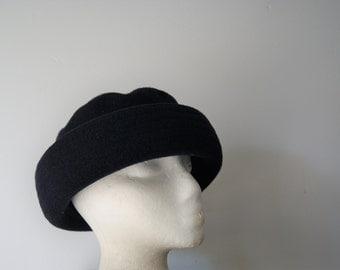 Black Felt Classic Hat by Betmar
