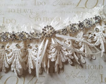 Ivory Lace Garter with RHINESTONE Detail - The JACQUELINE Garter