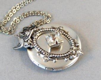 April's Messenger,Vintage Necklace,Vintage Diamond,Vintage STone,Vintage Crystal,Vintage Locket,Vintage Diamond Necklace,April Birthstone