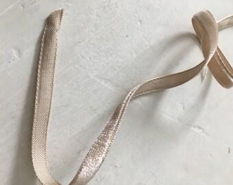 Vintage velvet sand ribbon