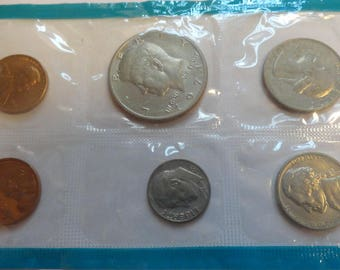 1971  US Mint coin set uncirculated great birthday present