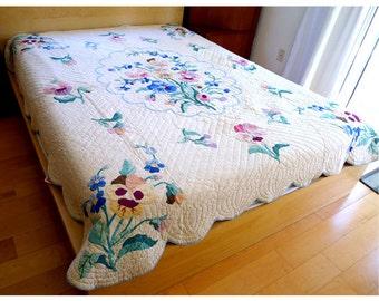 "Vintage American Folk Art Handmade White Floral Cotton Quilt 1940's 75"" X 90"""
