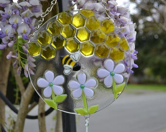 Bumble Bee Wind Chime, Fused Glass, Lavender Flowers, Garden Art, Home Decor, Beekeeper Gift, Gardener Gift