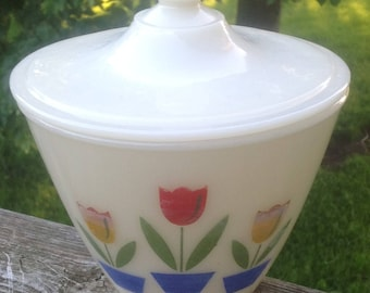Vintage Fire King Ivory Tulip Glass Grease Covered Jar Lid Range Set