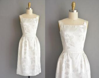 Vintage white satin 50s leaf design dress for bridal party. vintage 1950s dress