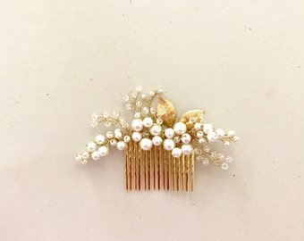 Ivory Pearls and gold Hair Comb, Bridal Hair Comb, pearls and crystal hair comb