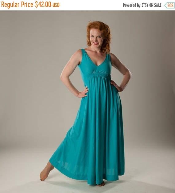 HALF PRICE SALE Vintage 1970s Maxi Dress - Blue Jersey - Summer Fashions