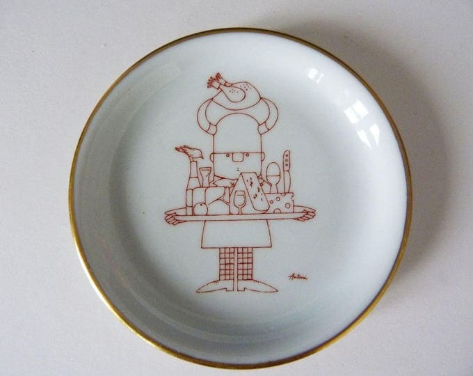Danish little wall plate  designed by Ib Antoni Bing grondahl Royal Copenhagen