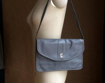 vintage Pierre Cardin leather handbag / purse  / clutch /  vintage 1980's  Paris New York / retro minimalism