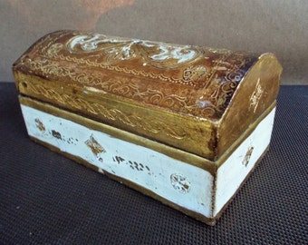 Vintage Florentine Italy White Gilded Gold Hinged Dome Lid Wooden Box
