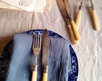 Collection of 6 Edwardian forks an interesting collection desert or fuit Shabby but Stilish kitchen