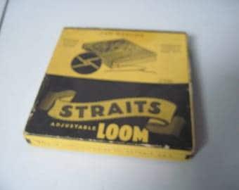 Vintage Straits adjustable weaving loom