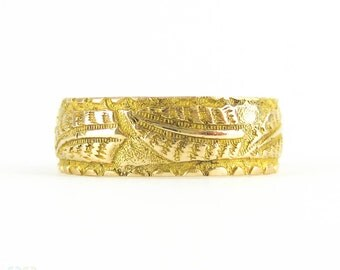 Victorian 18ct Fern Leaf Pattern Ring, Antique Wide Engraved Wedding Band in 18 Carat Gold. Mizpah, 1890s Hallmarks, Size K / 5.3.