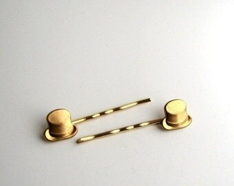 SALE top hat hairpins . gold tone bobby pins . hair pin accessories