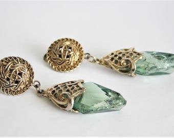 Vintage earrings. Clip on earrings. Vintage jewellery. Green earrings