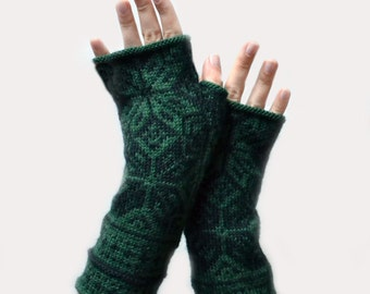 Green Fingerless Gloves with Stars - Nordic Gloves -  Green Fingerless - Fall Accessories - Gift Ideas  nO 92.