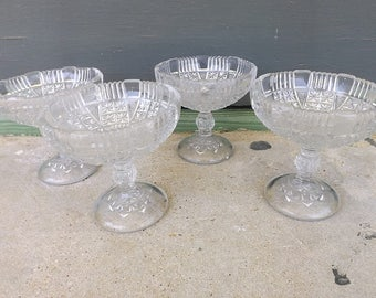 Vintage Early American Pressed Glass Sherbet/Ice Cream Bowls (set of 4)