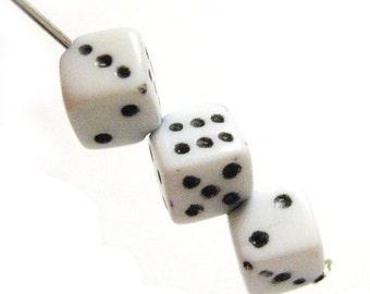 75% Off - White Dice Beads Las Vegas Casino 20pcs