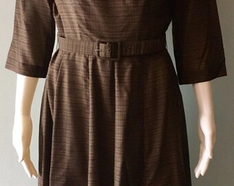 1950s Brown Plaid Dress with white lace collar size medium