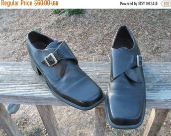 Gorgeous Nine West Chunky Heel  Black Leather Buckle Boot  Oxfords Fabulous Condition Circa 1990s