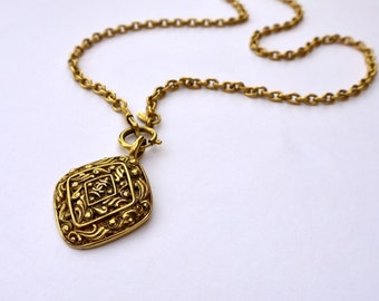 CHANEL Decorative Pendant and Chain