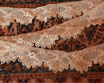 Lovely Antique Irish Crocheted Lace Trim Scalloped Edging Doll Bear Clothing