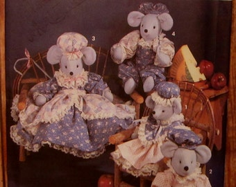 Vintage 1990s Stuffed Mice Dolls in Two Sizes and Clothes Simplicity Crafts Pattern 7596 UNCUT