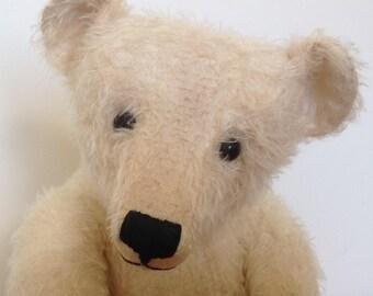 "21 1/2"" Hampton Bears, Ewan, antique style Artist Bear"