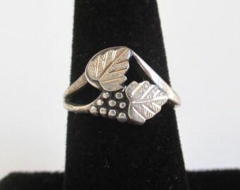 Black Hills Sterling Silver Ring - Two Leaf & Berries, Vintage Size 6
