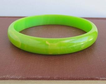 Marbled Bakelite Bangle Bracelet - Vintage Light Green & Yellow
