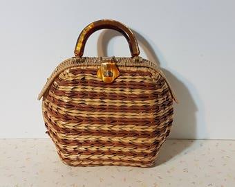 Vintage Basket Purse With Lucite Handle Accents Pin Up Handbag