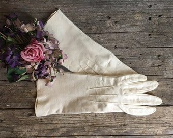 1940s White Kid Leather Gloves