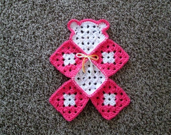Crochet teddy bear lovey, mini blanket, travel blanket, coral-pink and white