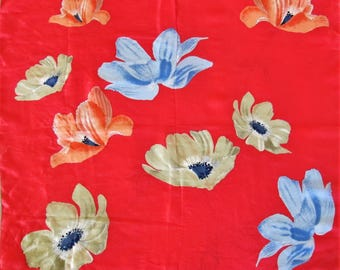 Vintage VERA Scarf Flower Design Beige Blue Red