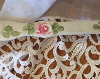 Hp shabby cottage roses back scratcher