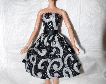Black, silver & white scroll print dress for Fashion Dolls - ed924