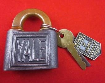 Vintage Yale 805 Padlock With 2 Keys, Keyring, Advertisement, Industrial, Steam Punk, Décor, Functional