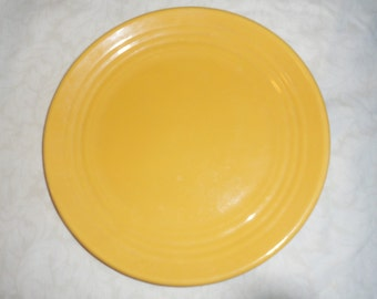 "Vintage 1930's Bauer Pottery Ringware 9-1/2"" Dinner Plate Chinese Yellow"