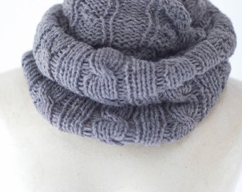 Infinity Scarf Chunky Knit Scarf Chunky Knit Cowl Circle Knit Eternity Scarf Winter Accessories Womens Lightweight Loop