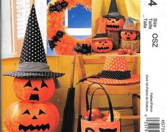 McCalls M5724 Halloween Sewing Pattern Pumpkin Totes Hats Decorations Wreath