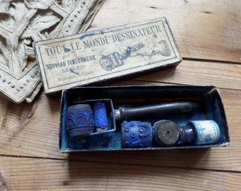 vintage french embroidery roller with 5 rubber stamps