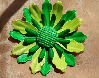 NEAT Green & Yellow Flower Power Pin VINTAGE