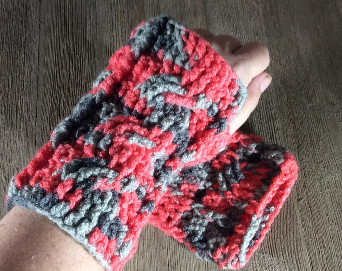 Cable Stitch Crochet Wrist Warmer Fingerless Gloves - Delightful