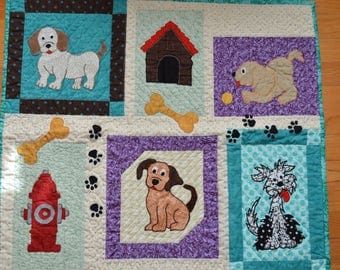 Dog Quilt, Wall Hanging, Lap Quilt, Throw, 29 x 26