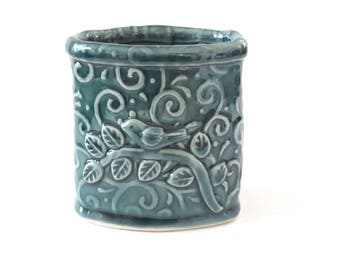 Pencil Holder // Desk Accessory //Ceramic Pencil Holder with Bird Leaves and Vines // Pencil Holder for Desk // Pen Holder // Teal