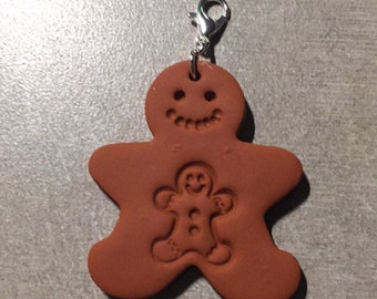 Terra cotta Mom and Baby Gingerbread man clay diffuser pendant or zipper pull